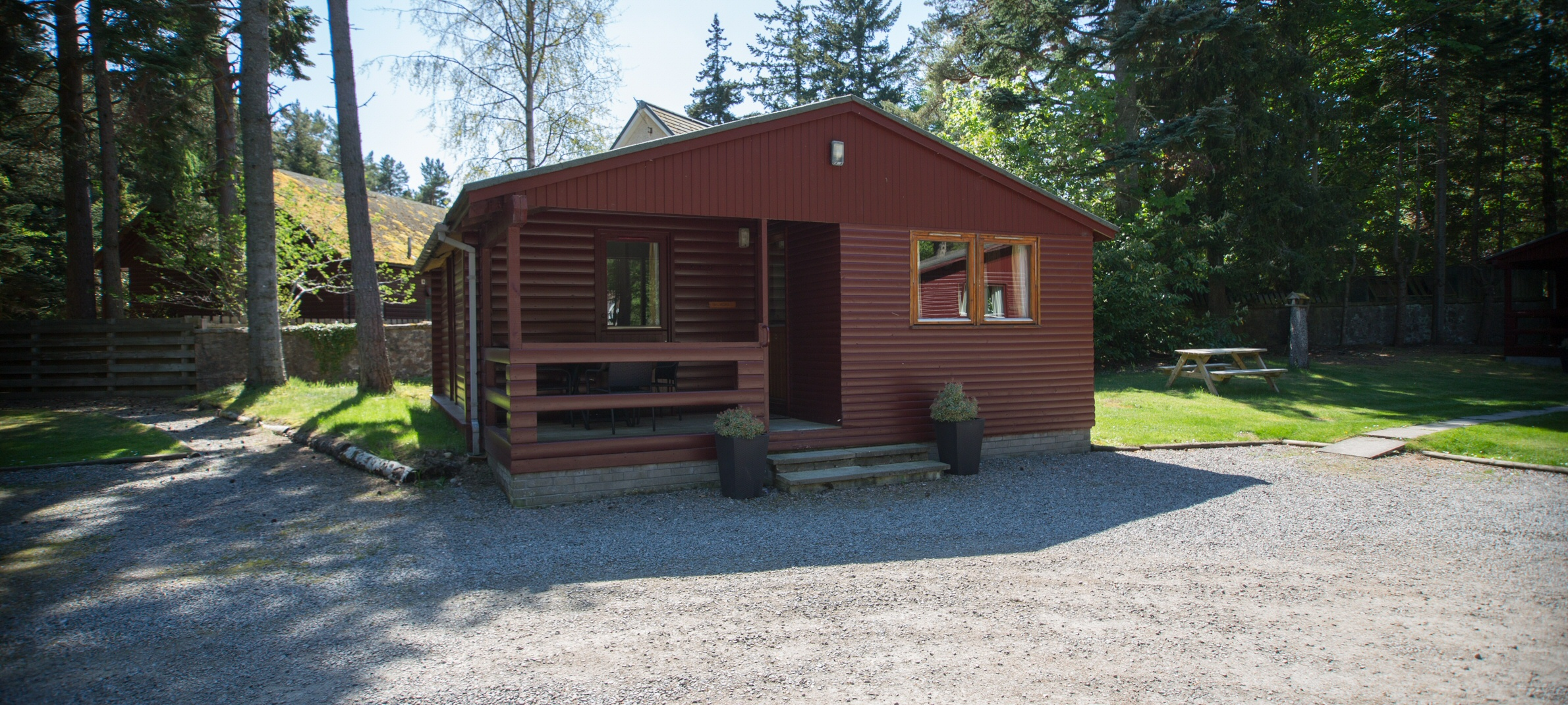 <h2>7 self-catering lodges in the heart of Ballater and Royal Deeside - Balmoral</h2><div class='slide-content'></div>